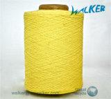 카드에 적혀 있던 털실을 뜨개질을 하는 면에 의하여 뜨개질을 하는 손 장갑