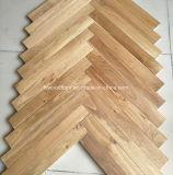 Plancher en arête de poisson de bois dur de plancher de parquet de chêne