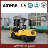 Un mini carrello elevatore a forcale diesel da 2 tonnellate fatto in Cina