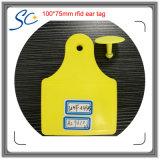 бирка уха поголовья фермы 860-960MHz RFID электронная для скотин/отслеживать коровы