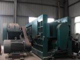 Machine de roulement à l'usine de la colle