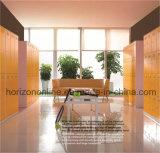 6つのドアのロッカーが付いている屋外の高品質のスーパーマーケットの家具