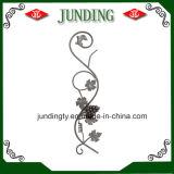 El panel elegante de la flor del hierro labrado para la puerta del hierro o el pasamano del hierro