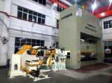 送り装置を持つオートメーションのストレートナおよび工作機械のUncoilerの使用