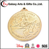 관례는 금속 도금 금에 의하여 닦은 고급장교를 가진 메달을 화폐로 주조한다