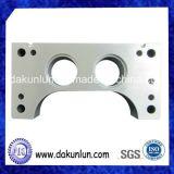 Metaal Machinaal bewerkt Deel, de Steun van de Batterij van het Roestvrij staal voor Auto (dkl-M039)
