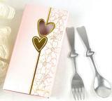 심혼 모양 스테인리스 숟가락 또는 선물 상자 포장으로 놓이는 포크 칼붙이