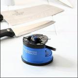 Sacapuntas de cuchillo de cocina con la pista de la succión