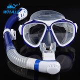 乾燥した緩和されたガラスのダイビングのマスクおよびスノーケル