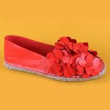 Espadrilles квартир цветка женщин красные Handmade для повелительницы