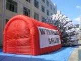 Túnel principal inflável feito sob encomenda gigante por atacado da explosão do futebol da mascote