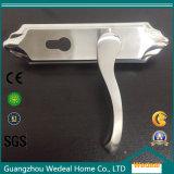 ステンレス鋼のドアハンドル