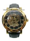 L'abitudine mette in mostra gli uomini automatici dell'orologio della fascia di cuoio goldtone