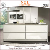 現代家具の白いラッカー食器棚