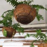 Cesta floral tejida a mano decorativa del jardín