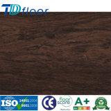 Handscrapedの表面の良質のビニールの板の床のLvtのフロアーリング