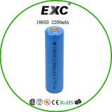 タブおよびリチウムイオン電池が付いているリチウムイオン18650 3.7V 2200mAh円柱充電電池