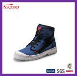 Высокие ботинки холстины способа отрезока