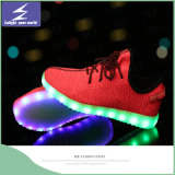 USB das sapatas dos esportes dos Olympics que cobra a luz do diodo emissor de luz