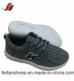 レースデザイン子供のキャンバスの注入の靴は、偶然靴、卸売のためのすべてのサイズの範囲を遊ばす
