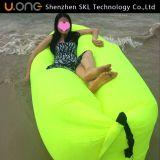 Nylongewebe und Luft, die Laybag, aufblasbaren Schlafsack füllt