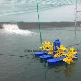 通風器を耕作している農場の池機械外輪の通風器のエビ
