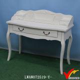 Branco de madeira gasto da tabela de console de 3 gavetas