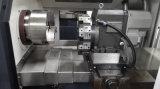 棒送り装置の自動車の送り装置が付いている容易な操作の高性能CNCの旋盤