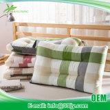 明白な染められた枕詰物が付いている安価な綿