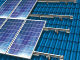 Сооруженные кронштейны алюминия системы панели солнечных батарей крыши плитки