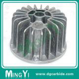 주문을 받아서 만들어진 특별한 모양 알루미늄 형 부속