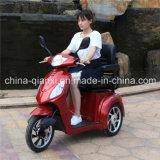 Triciclo approvato del Ce per gli anziani