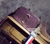 Handtasche der Form-purpurrote Toilettenartikel-Stadtstreicherin-Sequins klein mit bunter Streifen-Brücke Sy8156