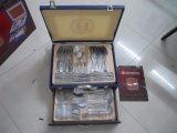 72PCS 나무 상자에서 놓이는 왕 스테인리스 칼붙이 세트 또는 가스