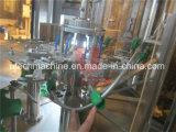 разлитая по бутылкам 3-in-1 чисто машина завалки воды или минеральной вода