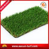 Erba sintetica verde naturale per il campo da giuoco