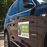 Подгонянный магнитный автомобиль подписывает магниты двери автомобиля стикера