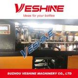 Botella plástica de la bebida automática llena que hace la máquina