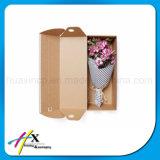 선물 서류상 포장 상자가 개인화한 마분지에 의하여 꽃이 핀다