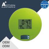 Escala eletrônica de cozinha doméstica com temperatura e humidade do relógio