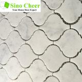 Le mattonelle di mosaico di marmo bianche di Carrara Bianco di Arabesque di alta qualità per il pavimento della stanza da bagno