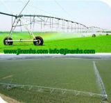 농업 관개가 중심 선회축에 의하여 스프링클러를 설치한다