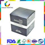 Черная коробка сливк стороны людей бумаги картона цвета упаковывая