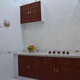 Haus-Dekoration-Badezimmer-rutschfeste glatte keramische Wand-Fliese