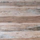Azulejo de suelo de cerámica rústico del azulejo de suelo del azulejo de madera del grano