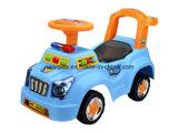 A polícia quente da venda balanç o carro do caminhante do bebê com música clara Souna