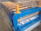 製造所を形作る電流を通された鋼板の屋根瓦ロール