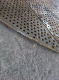 Multi Loch, das starkes Metallplatten maschinell bearbeitet