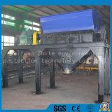 アヒルか魚または鶏および他の小さい動物の死体によって押しつぶされる骨機械の肉挽き器