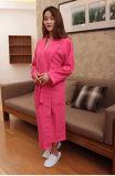 Les hommes et les femmes peuvent être peignoir personnalisé de robe longue de peignoir de coton de Toweling